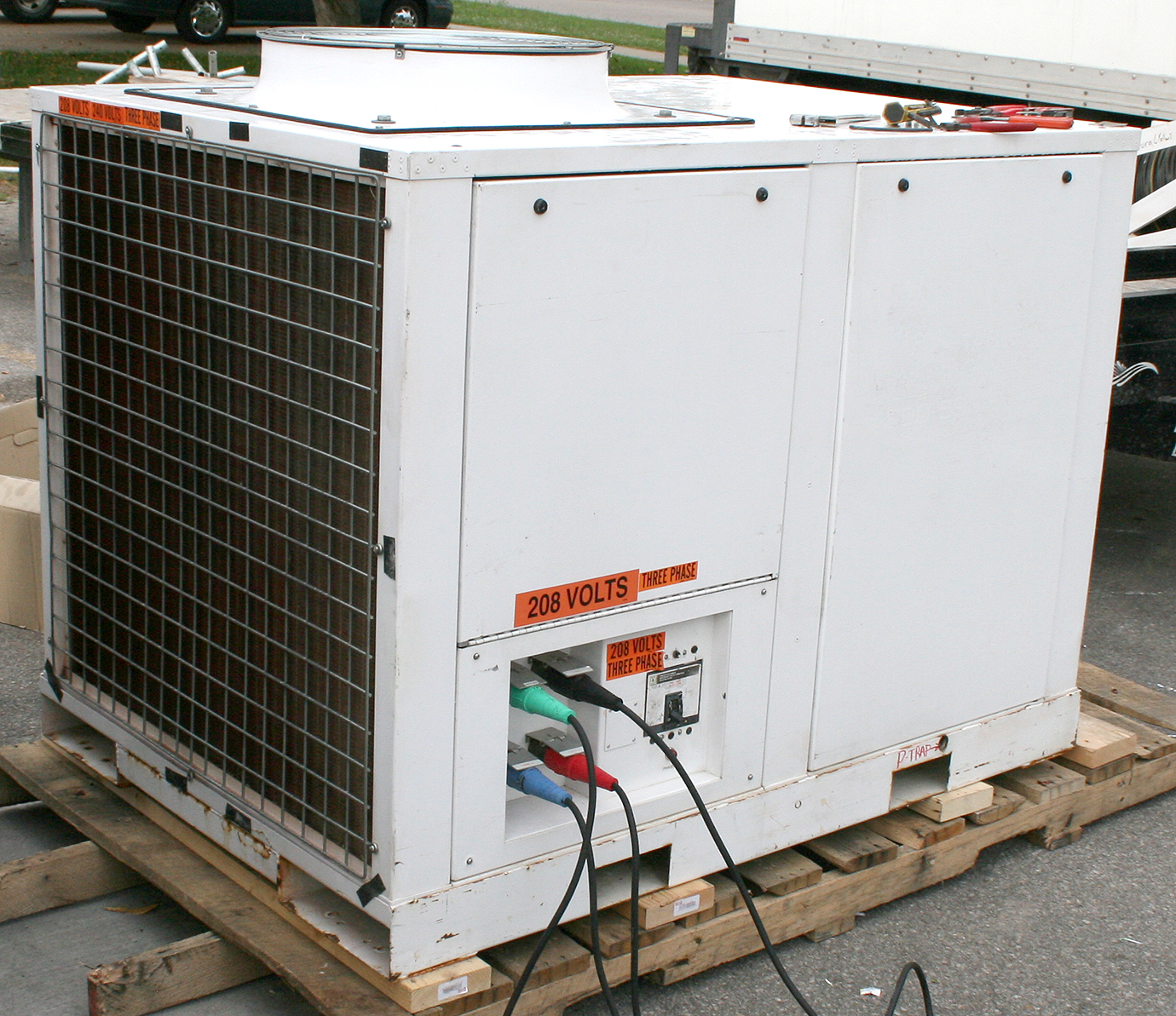 Light Industrial Units For Rent In Derby: Event + Emergency Mobile 12-ton A/C Unit Rental In Iowa