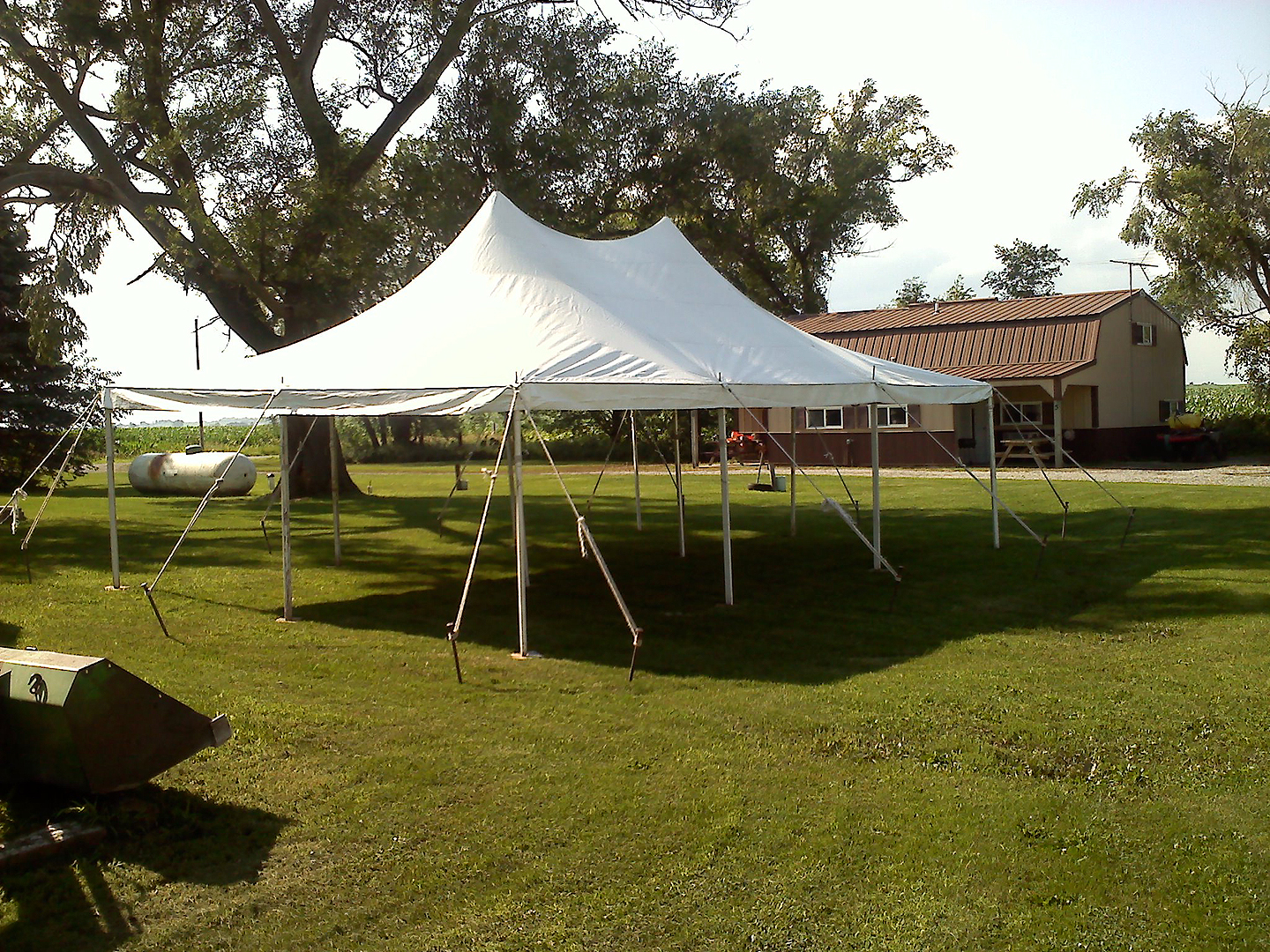 20u2032 x 30u2032 Elite Rope and Pole Tent & Elite 20u0027x30u0027 Rope u0026 Pole Tent Rental: Iowa City Cedar Rapids