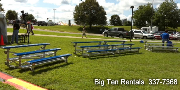 Portable 3-row Tip & Roll bleachers
