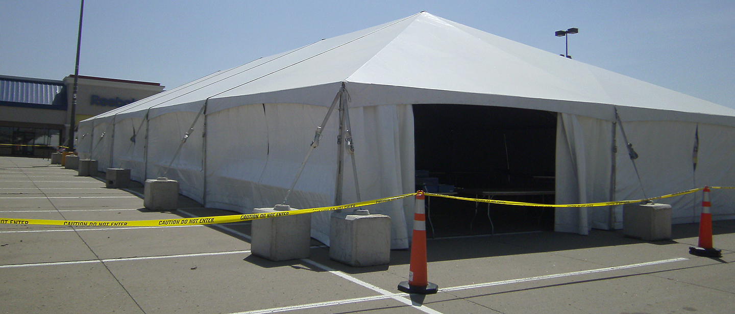 3/4 view of our 40u2032 x 100u2032 hybrid tent located at the Tanger Outlet Center. & 40u0027 x 100u0027 Hybrid event tent/structure rental: Iowa IL MO u0026 WI