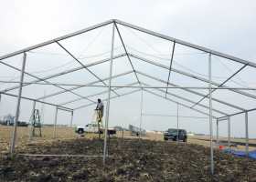 Front of frame of 40′ x 40′ clearspan event structure tent setup
