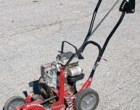 Gas powered lawn edger