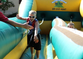 High Five on bungee run challenge inflatable 0