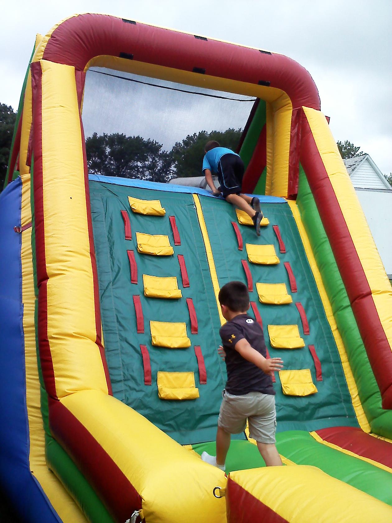Dual Climb Area Iowa City Cedar Rapids Party And Event Rentals