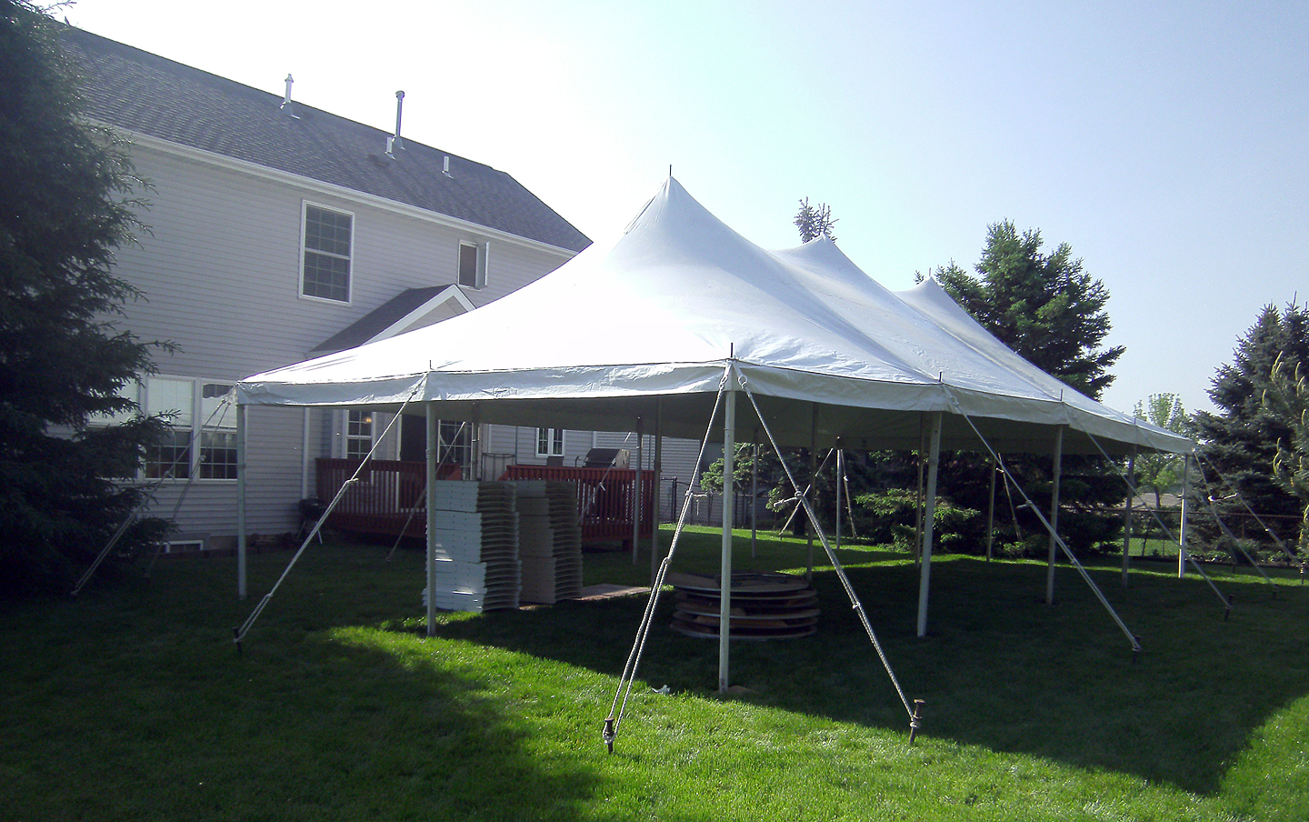 40 elite rope and pole tent for a graduation party in iowa city