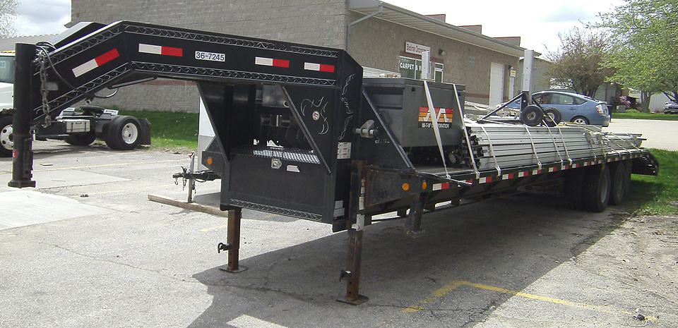Gooseneck flatbed Trailer (items not included with rental