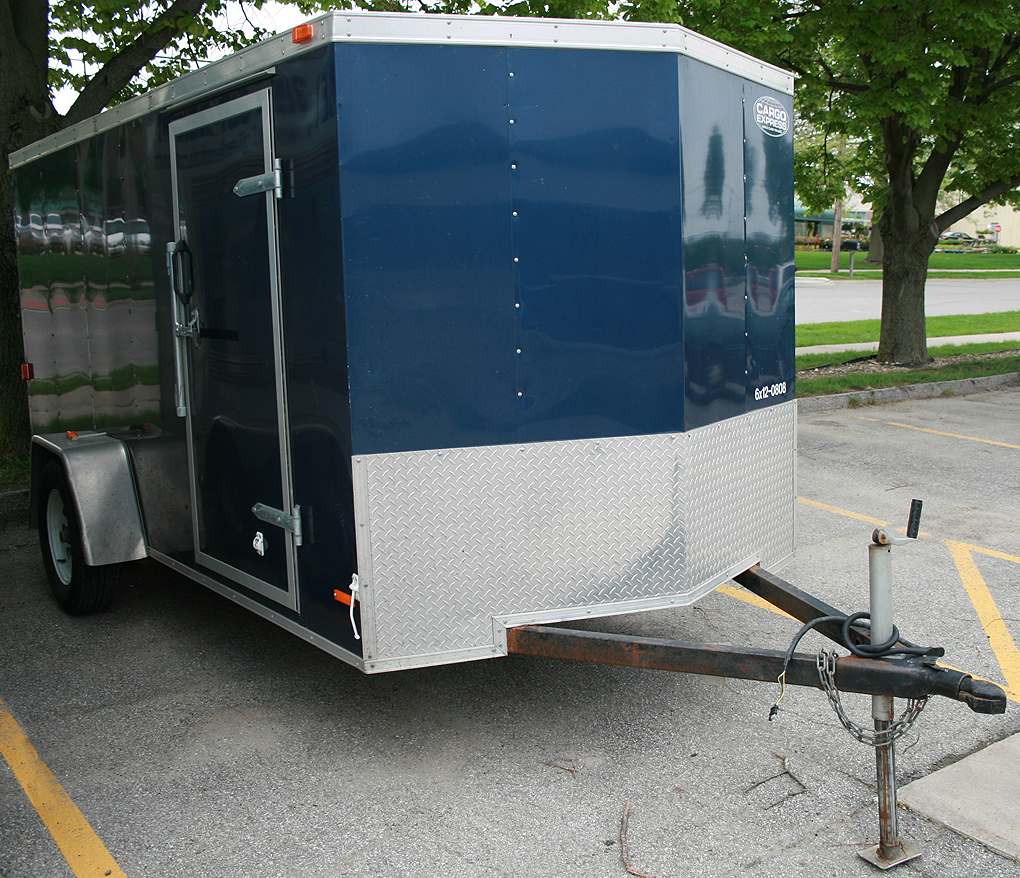 Utility Trailers: Blue 6'x12' Enclosed Cargo Utility Trailer Rental: IC & CR