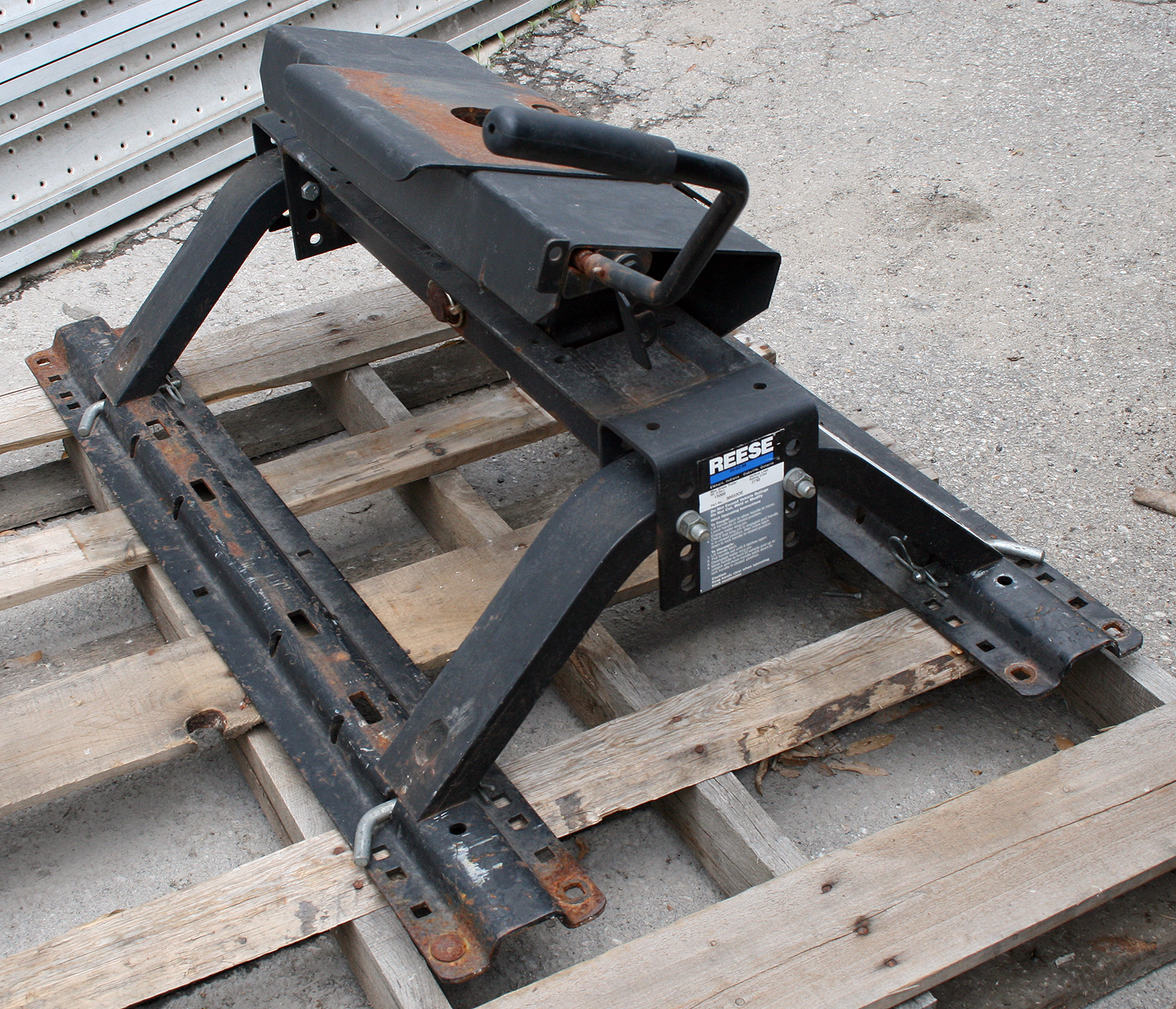 For Sale Used Reese Fifth Wheel Hitch Base Rails 15 000