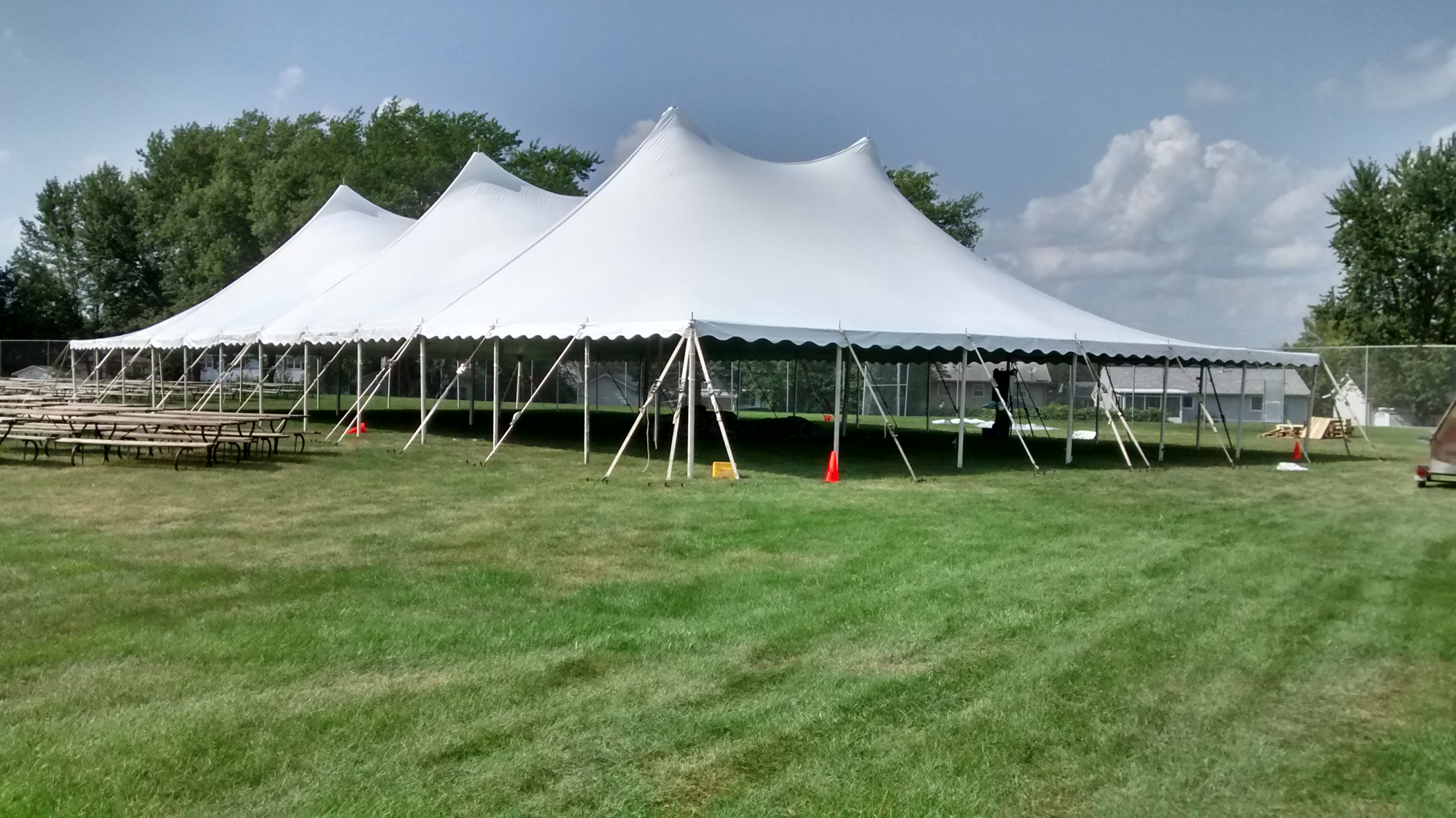60 X 120 twin Pole Rope amp Pole Tent Rental IA IL MO