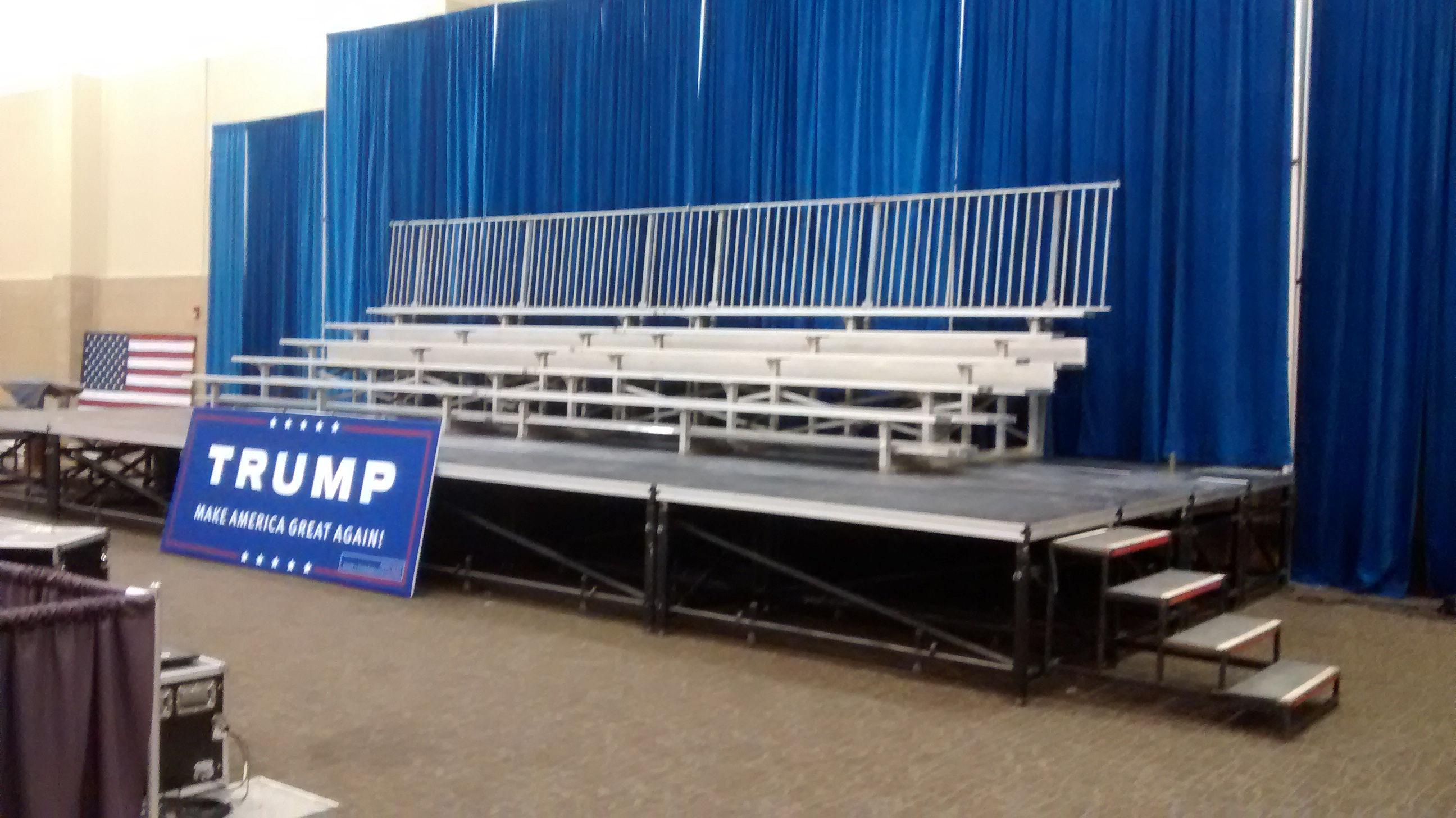 Side by side pipe and drape at trump political event in dubuque iowa