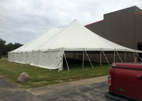Outside 60′ x 90′ Genesis Rope and Pole at Raymond in Muscatine, Iowa