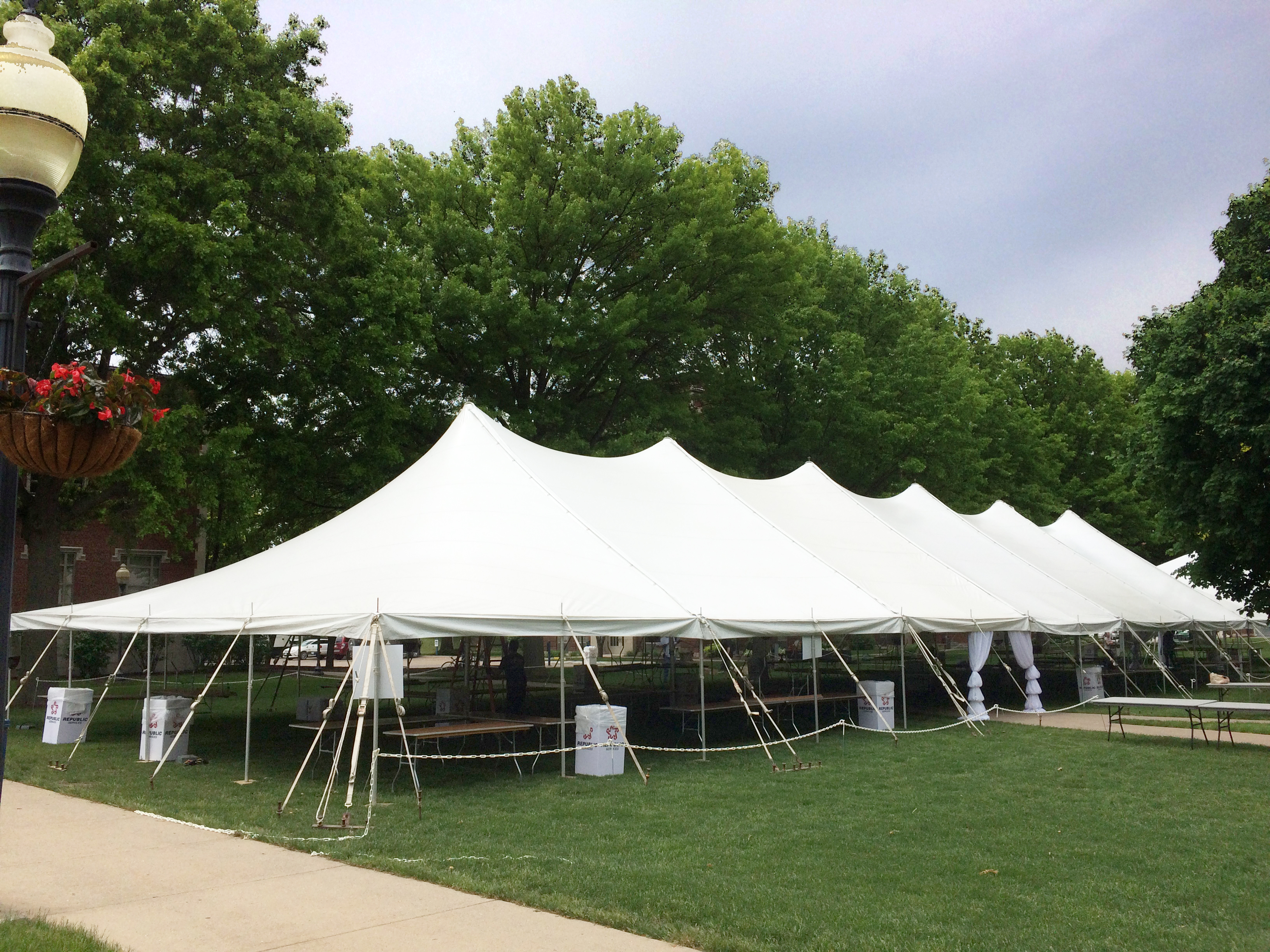 40 X140 Rope And Pole Tent Set Up For A Wine Festival
