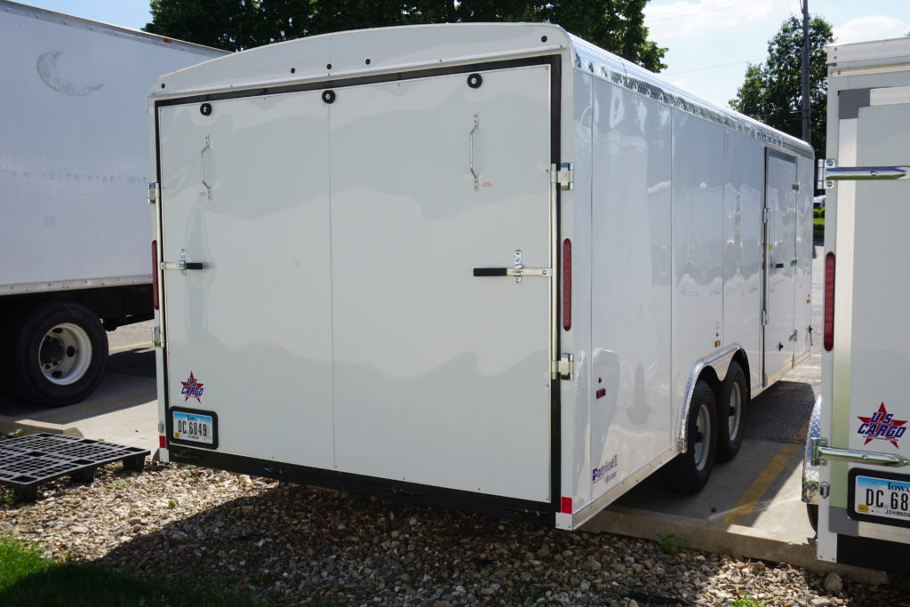Back Right of 8.5' x 20' white tandem enclosed trailer [sn2927]
