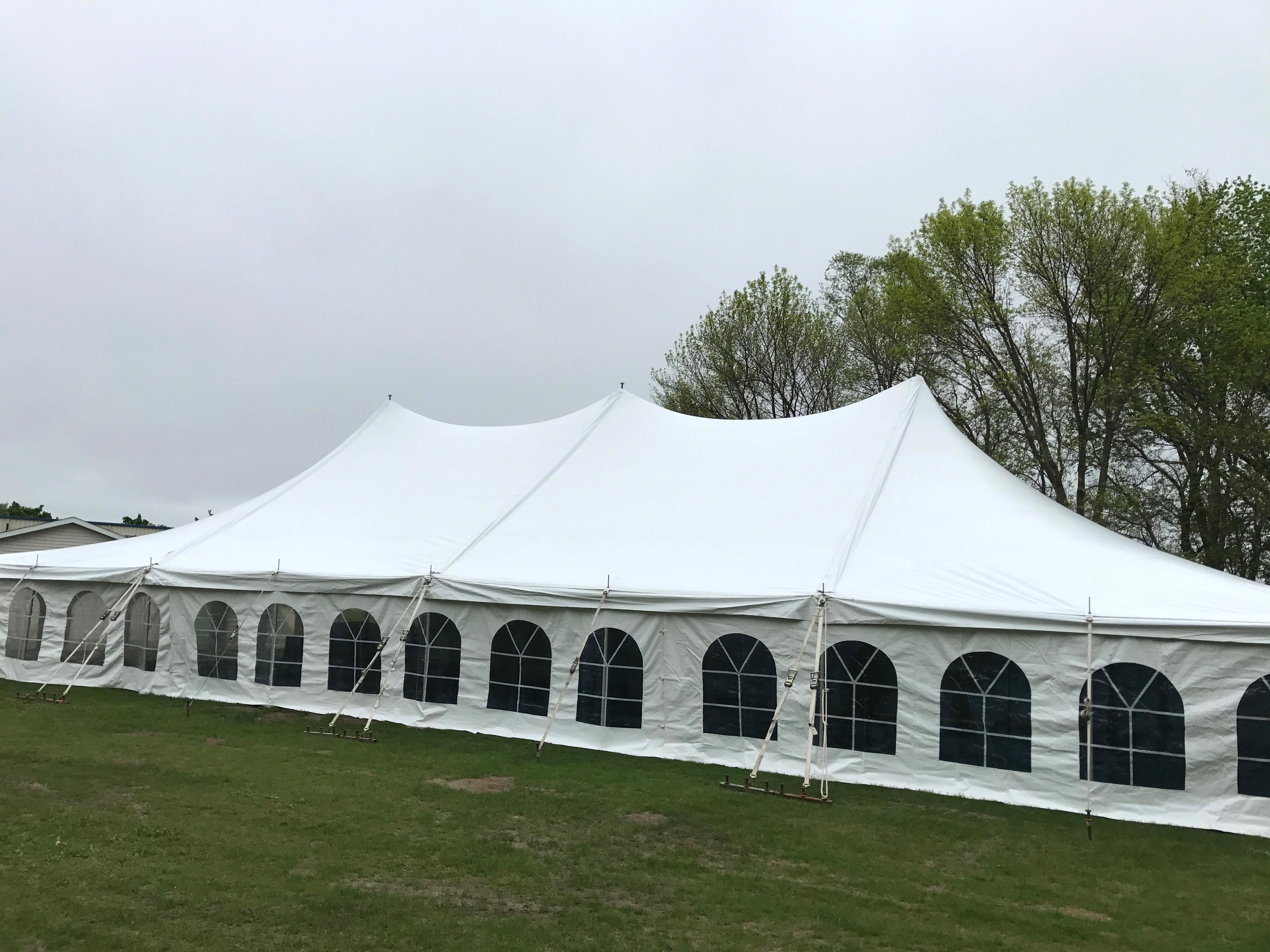 40u2032 x 80u2032 rope and pole tent 2707 Dubuque St Ne North LibertyIowa 4-26-2017 & 40u0027 x 80u0027 rope and pole tent 2707 Dubuque St Ne North Liberty ...