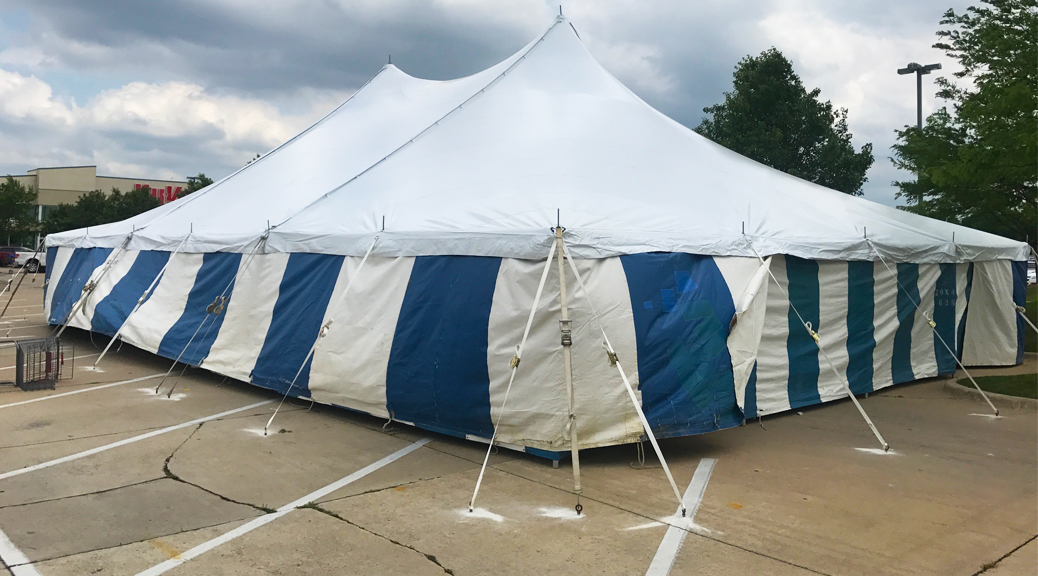 40' x 60' rope and pole tent with Blue and White Sidewall at Hy-Vee in Cedar Rapids