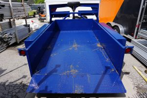 Back of Tandem Axel Airtow Drop-Deck Trailer for rent in Iowa